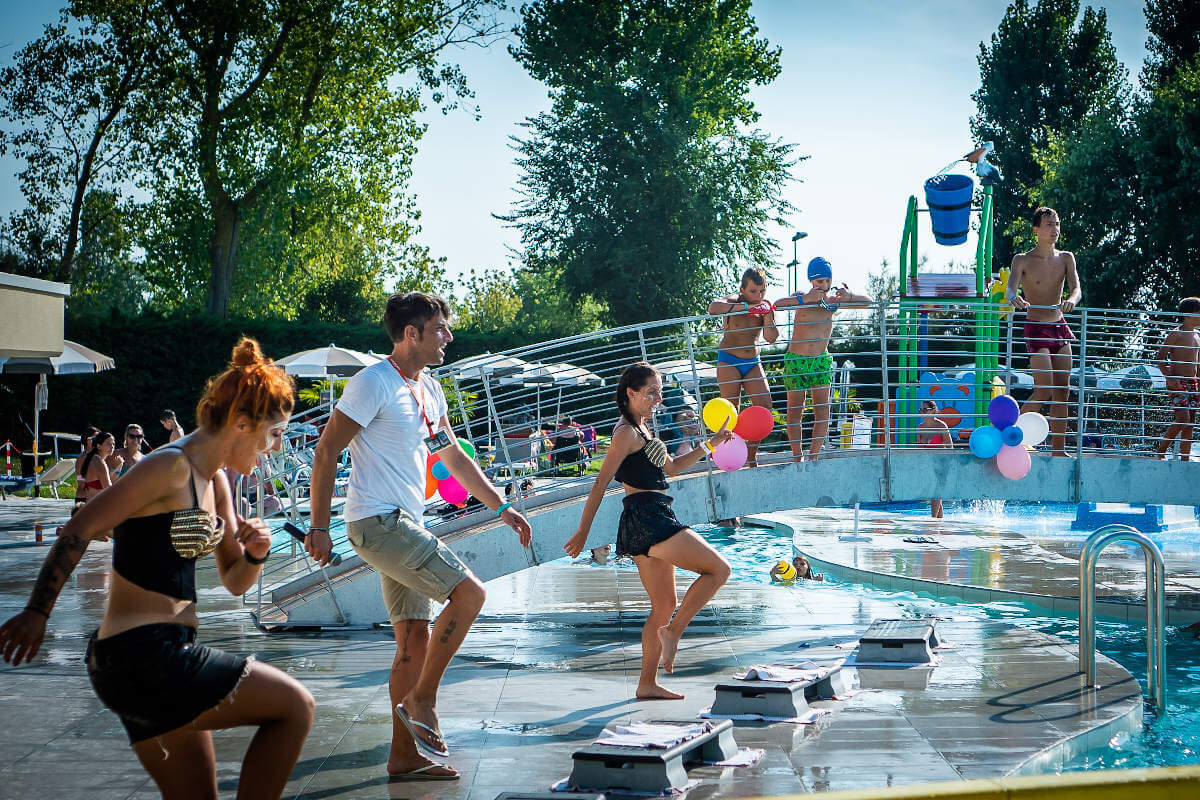 Pool party – animazione – Villaggio San Francesco – 02